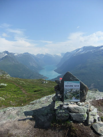 The summit of Mt Hoven at 1010m