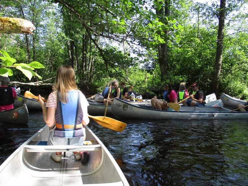 canoe-traffic-jam